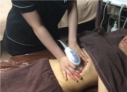 痛みや不快感なく施術が受けられる美容マシンが人気に