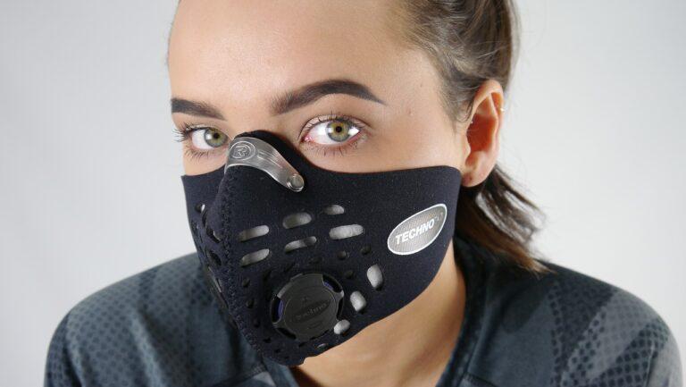 マスク時代に進化し続けるマスク